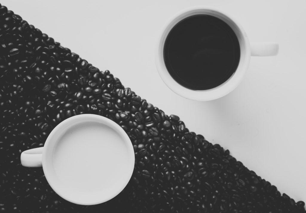 Darstellung Kaffeebohnen Hell-/Dunkel (Vor-/Nachteile)