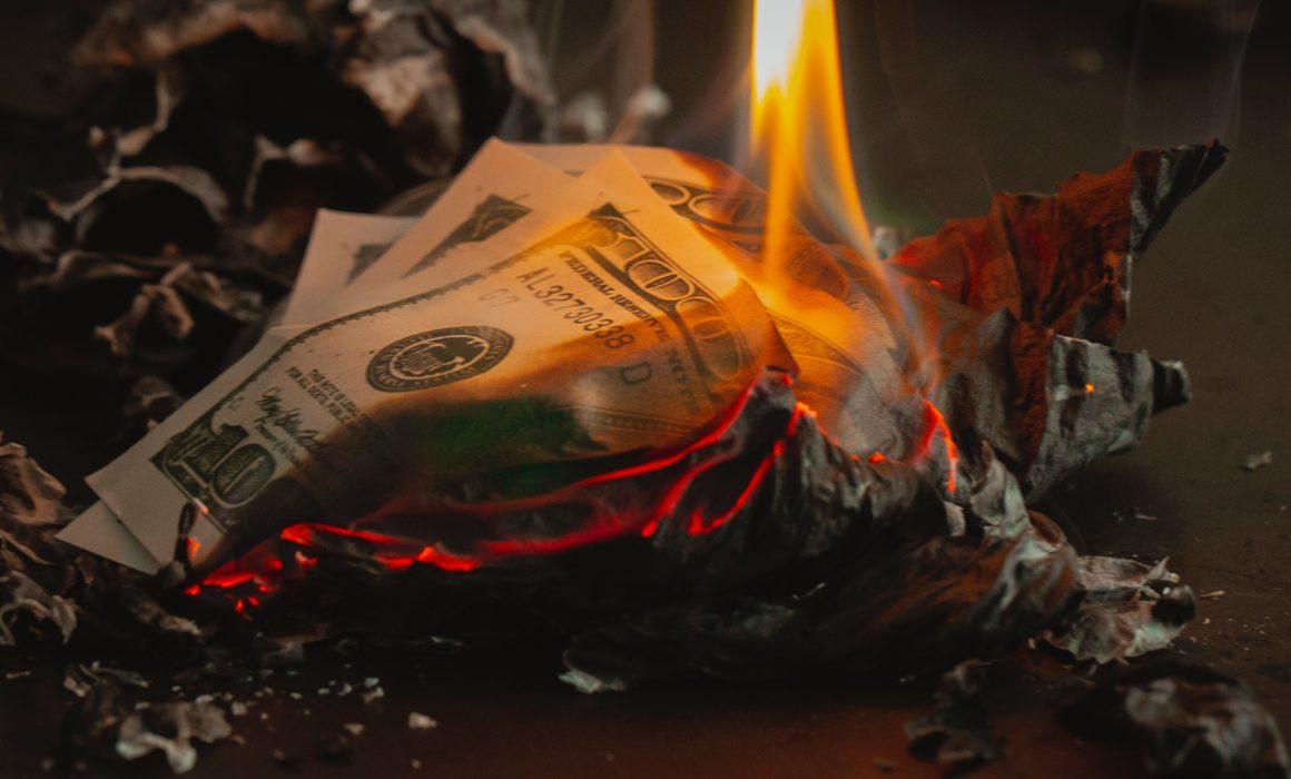 brennendes geld